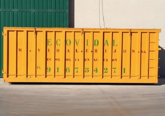Contenedores en alquiler con una capacidad de 30 y 35 m3 para grandes producciones. Nuestro contenedor más demandado. Medidas aproximadas: 6.50m largo x 2.20m ancho x 2.50m alto.